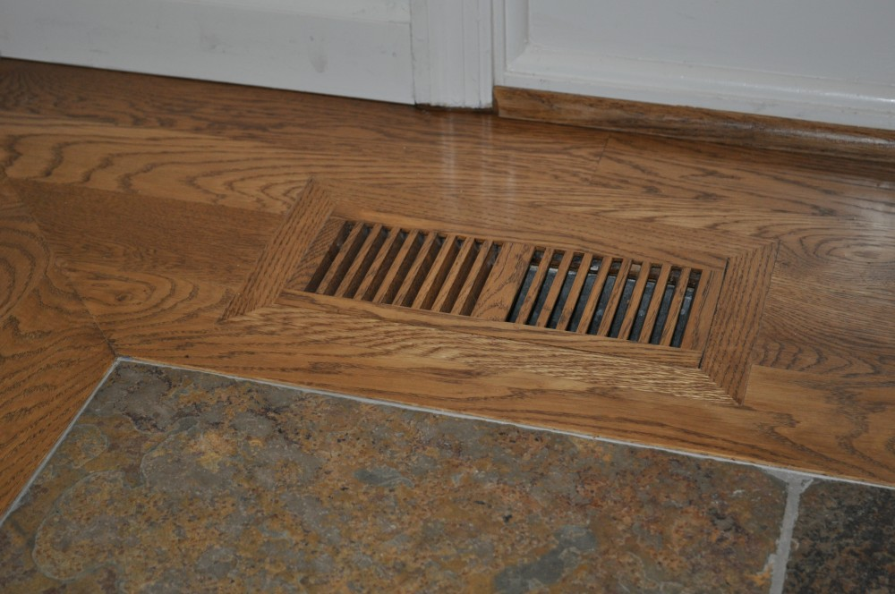 Oak Flush Mount Vent